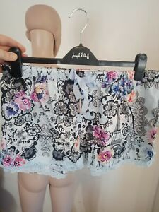 Peter Alexander PJ Shorts Sz M Blue Floral Print Lace Hem Casual Lounge