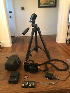 Panasonic LUMIX ZS100 20.0MP Digital Camera Bundle
