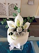 WEDDING CAKE SUGAR FLOWER LILIES IVY & ROSES IN WHITE & SILVER. MOST COLOURS 016