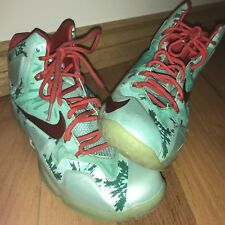 Nike Lebron XI 11 Christmas Shoes Men's Size 9.5