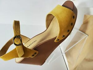 Women's Lucky Brand Zashti Wedge Sandals-Golden Yellow Oily Suede 8M