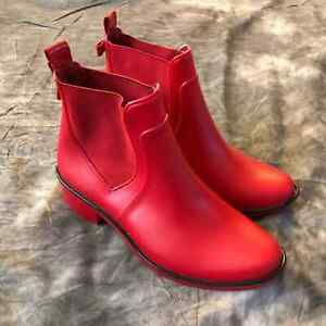 Kate Spade red rubber rain boots size 6.5 gold bow detail