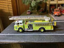 Rare Athearn 1/87 Scale Green Telesqurt Fire Truck