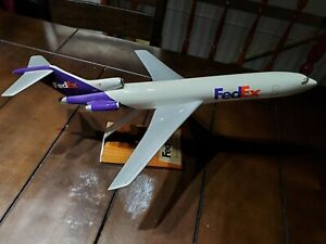 Boeing 727-200 FedEx Diecast Model Aircraft from Pacific Miniatures Wooden stand