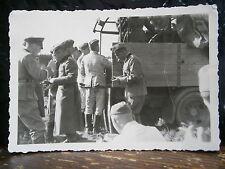 Photo argentique guerre 39 45 soldat Allemand wehrmacht WWII 2 camion transport