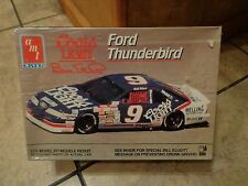 AMT / ERTL--FORD THUNDERBIRD BILL ELLIOTT #9 NASCAR CAR--MODEL KIT (NEW)