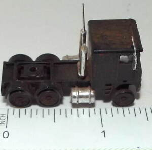 N Scale Semi Tractor/Cab with Sleeper Cab