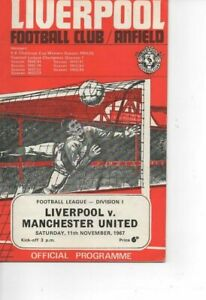 Liverpool v Manchester United 1967/68 Division 1 complete with League Review
