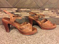 Vintage Womens Danelle Sz 7 M Brown Leather Woven Wooden Heels Shoes Sandals