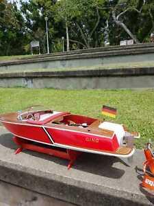 Luxury RC Model Yacht
