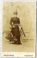 Salzpapier. Hübsche Dame mit Fahrrad und Hut, Original-Cdv-Photo um 1881.
