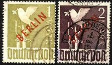 2 GERMAN DEUTSCHE POST OCCUPATION Stamps BERLIN Red Overprint SC# 9N33 9N34 USED