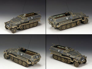 KING & COUNTRY WW2 GERMAN ARMY WS217 SD. KFZ. 251 HALF TRACK ARMORED CAR GREY