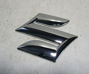 Suzuki Ignis MF Suzuki Emblem Hinten