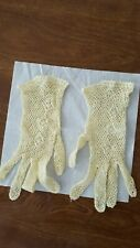 Vintage 1930s-1950s hand croched pale yellow gloves xs