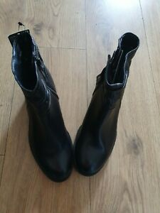 M&S BLACK WIDE FIT LEATHER UPPER BOOTS UK SIZE 4.5