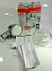 Honeywell LED Outdoor Dusk to Dawn Utility Light NIB 4000 Lumens ~ MA0201-17CR