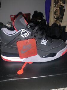 Size 10.5 - Jordan 4 Retro OG Bred 2019