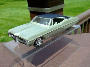 1968 Pontiac Bonneville ---very nice---