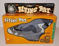 Battery Operated Toy Flying Bat Action Complete New in Box NOS Item # 593 Rare