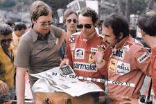 9x6 fotografia LAUDA & REGAZZONI con giornalista ALAN Henry Monaco GP 1976