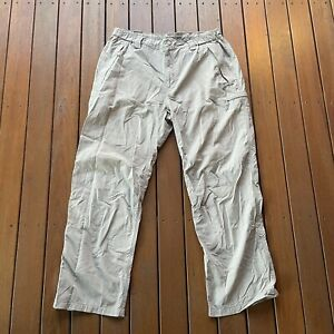 The North Face Size XL Beige Pants Baggy Outdoor Hidden Pockets Walking Active