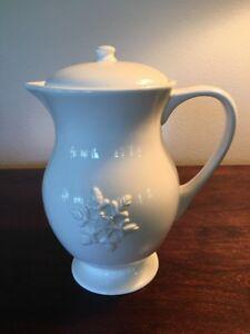 Pottery Barn Rare Snowflake Tall Teapot. Retired.
