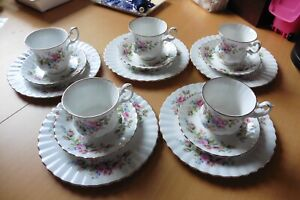 Royal Albert  Moss Rose 5 Stück 3-teilige Kaffeegedecke Bone China England