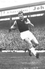 Football Photo>GERRY HITCHENS Aston Villa 1960s