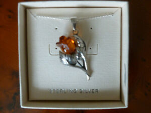 Unusual and Beautiful sterling  Silver and amber rose necklace