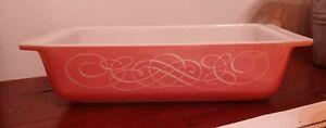 Beautiful Vtg Mcm Pyrex PINK Swirl princess Cinderella 575-B 2 Quart Baking Dish