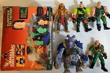Small Soldiers Figure Lot - 5 Figures and Globotech Toy Factory - Hazard, Archer
