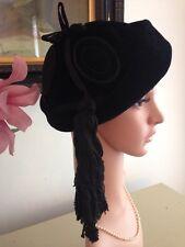 Vintage 1950s Hat Black Velvet Paris Condo Couture Beret Pillbox Stunning A1
