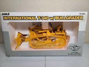 Case IH International T-340 with Bullgrader - ERTL 1:16 Scale Model #4380DO New!