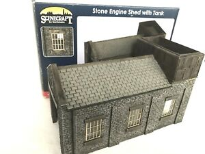 Bachmann Scenecraft 44-0002 Stone Engine Shed With Tank OO Gauge