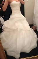 AUTHENTIC! Monique Lhuillier Bellflower Wedding Dress Ball Gown Size 6. $6,500