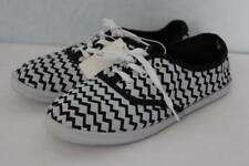 NEW Womens Tennis Shoes Size 10 White Black Chevron Flats Canvas Lace-Up Sneaker