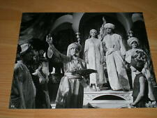 Oliver Tobias, Peter Cushing, Emma Samms - rare 1979 press photo. Arabian Nights