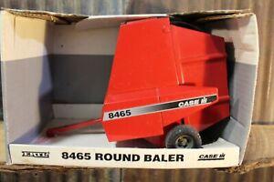 ERTL Case IH International Round Baler 8465, 1:16 Scale, Diecast, NIB (1995)