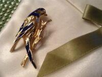 Vintage Blue Enamel & Gold Tone Bird Pin Rhinestone Eye