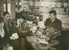 Billet de loterie gagnant rue de Rivoli à Paris Vintage silver print Tirag