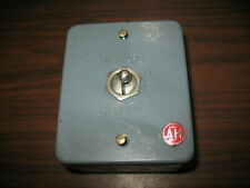 Vintage Never Used Arrow Hart 80983-1 Forward Off Reverse Switch