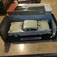 MOTOR MAX 1958 PLYMOUTH FURY 1:18 .. BEIGE AND GOLD