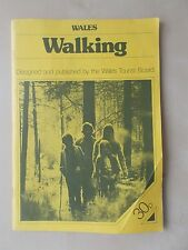 VINTAGE 1976 TOURIST GUIDE - WALKING IN WALES