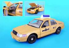 NYC New York City TAXI Cab Ford Crown Victoria 1:24 Scale NEW Sealed