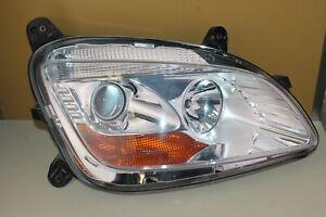 Paccar Kenworth Right Headlight Peterbilt P54-6163-110R Headlamp Lamp Light