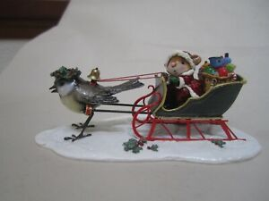 Wee Forest Folk Bird Pulling Sleigh Christmas Presents Sled 2009 Wreath