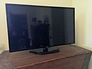"LG 42"" LED TV model 42LN540V"