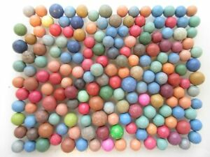 Lot of 175 vintage clay marbles 9 mm to 14 mm