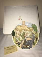 David Winter Cottages On The Riverbank Collectors Guild Plaque W/Box